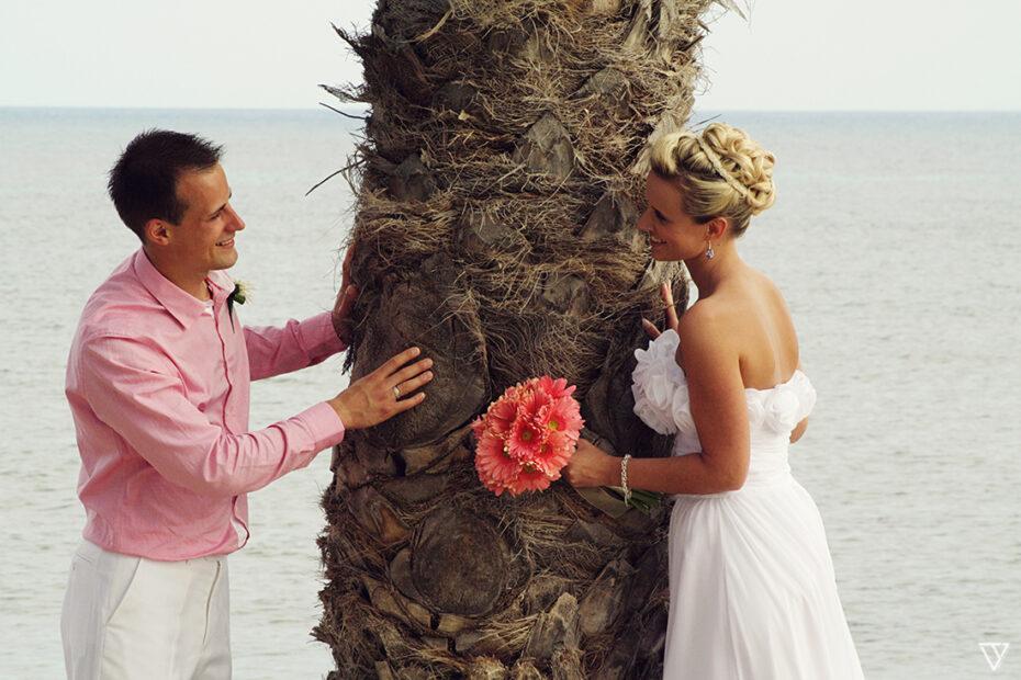 Holiday Wedding Photographer